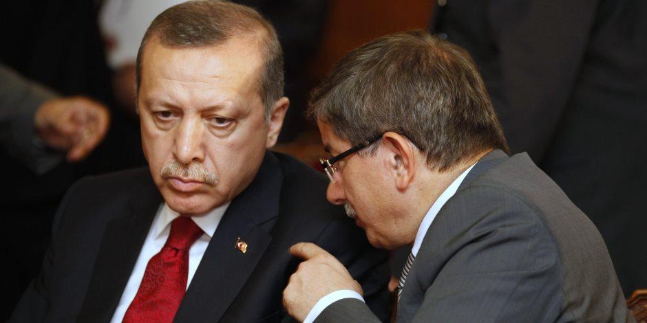 رئيس وزراء تركيا الأسبق: سياسات أردوغان أضاعت تركيا وأوصلتنا إلى الحضيض