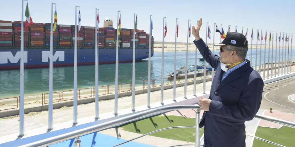 رئيس قناة السويس: 8% زيادة فى أعداد السفن العابرة للقناة خلال أزمة كورونا (صور)