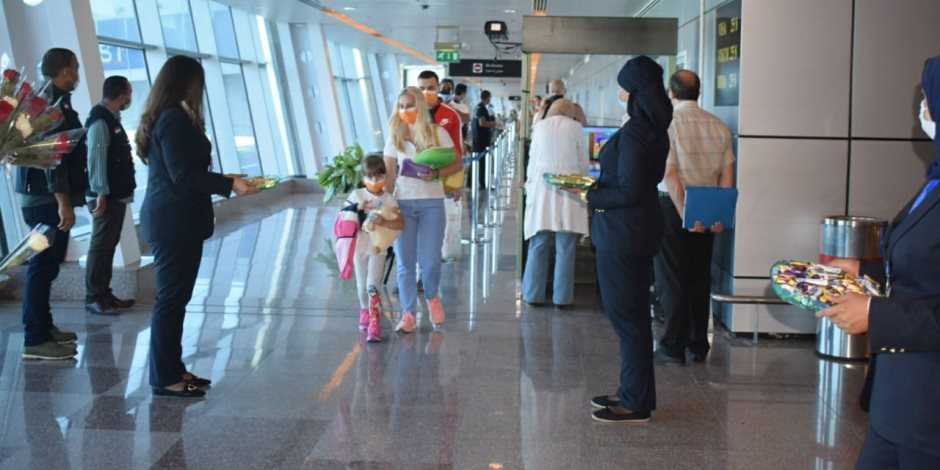 شهادات من الواقع.. سياح في البحر الأحمر: إجراءات وقائية عالمية ونشكر مصر على الاستقبال