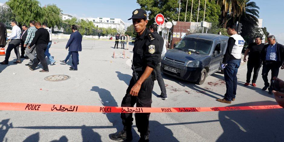 الثورة على الإخوان تشتعل.. الاحتجاجات تصل مبنى البرلمان التونسي