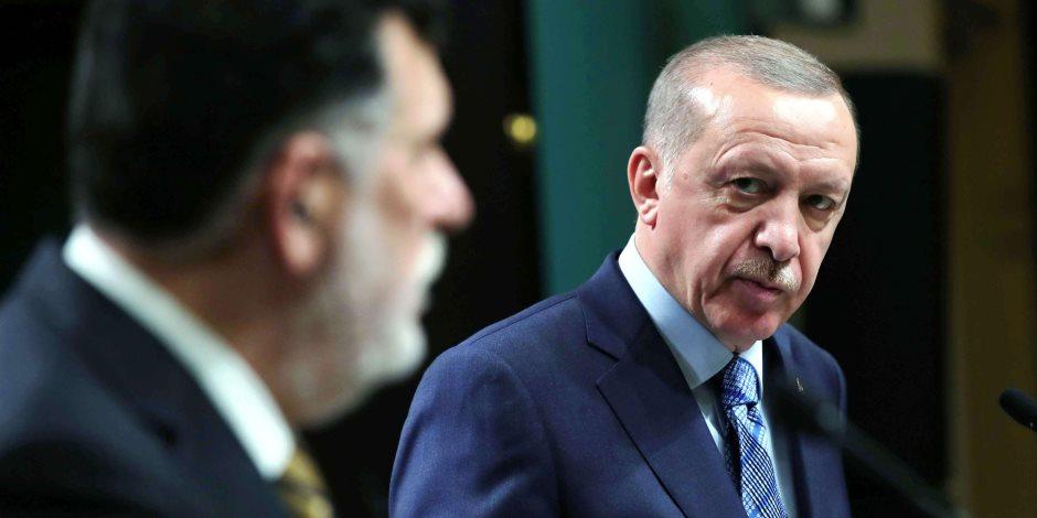 أردوغان والسراج.. اتفاقيات عار في إسطنبول للسيطرة على ثروات ليبيا