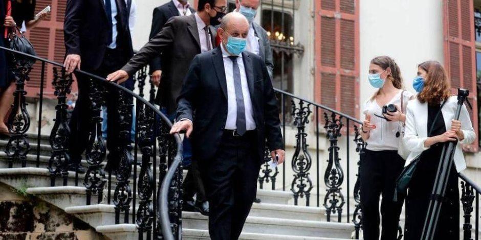 ارتباك داخل الحكومة الفرنسية.. مسؤول لبناني يكتشف إصابته بكورونا خلال تناوله الغذاء مع وزير فرنسي