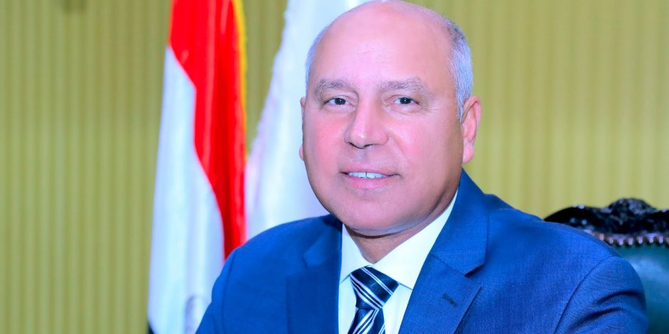 وزير النقل يعلن استئناف حركة شاحنات بضائع الترانزيت بحرا مع السعودية