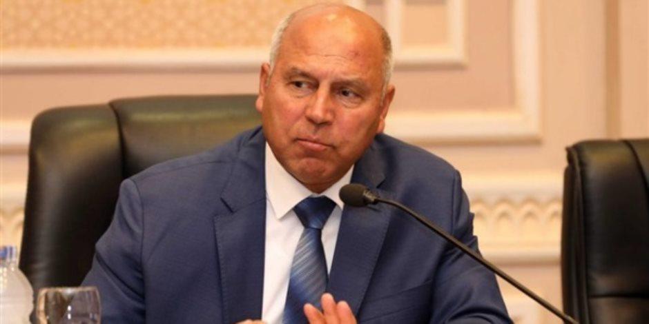 وزير النقل: الرئيس اعتمد خطة لرصف الطرق الداخلية فى الصعيد بـ36.7 مليار جنيه