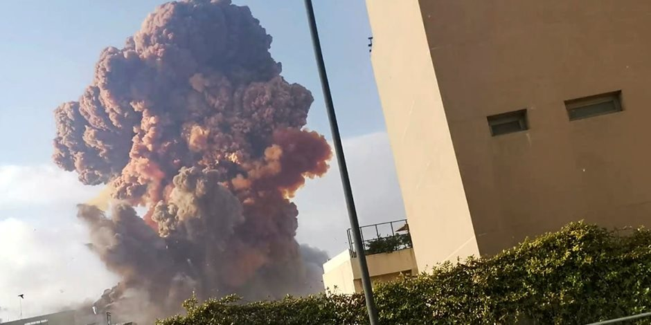 """كارثة بيروت.. ماذا حدث في """"المستودع 9"""" لينفجر كل شيء؟"""