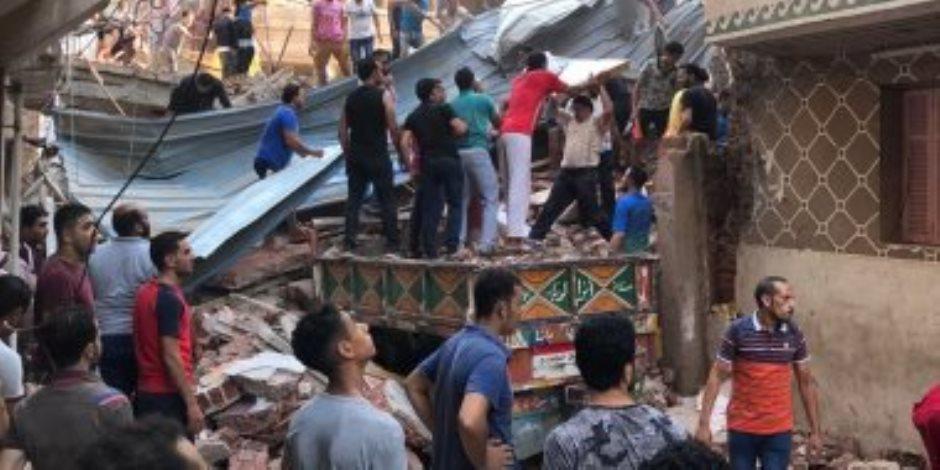 انهيار منزل من 5 طوابق بمنطقة الرجبى بالمحلة والدفع بقوات الإنقاذ.. صور