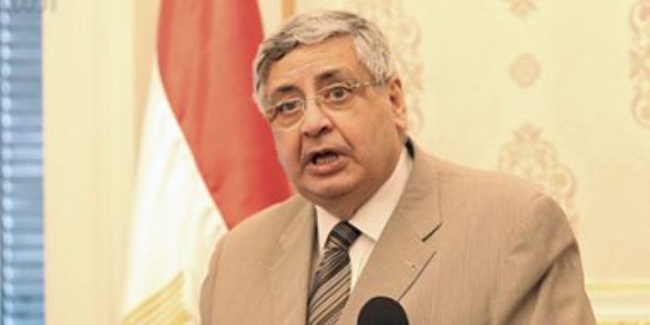 مستشار الرئيس لشئون الصحة ينهي الجدل:  لا آثار جانبية خطيرة من اللقاحات في مصر