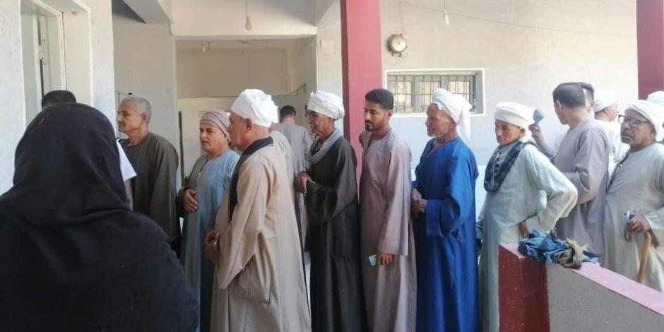 """""""الصعايدة وصلوا"""".. إقبال كثيف من الناخبين في """"المنيا واسيوط وسوهاج"""" (صور)"""