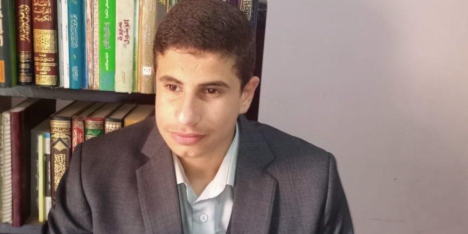 عبد الله عمار السيد.. طفل معجزة فقد بصره فعوضه الله بالبصيرة (فيديو)