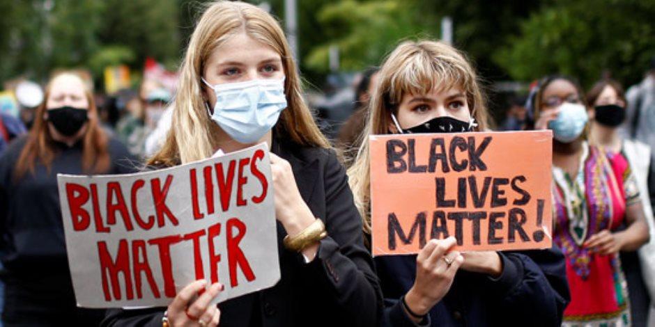 احتجاجات في بريطانيا بسبب مقتل جورج فلويد وأمهات ولاية بوسطن الأمريكية يرفضون التطعيم الاجباري