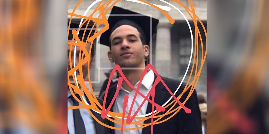 الظهور الأول لأحمد بسام زكي أمام الجنايات: حضر وسط حراسة مشددة مرتديا كمامة بيضاء