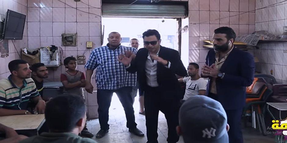 منير الجن في البرلمان.. علقة موت لمرشح نصاب في «الحلزومة» (فيديو)