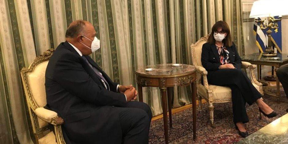 سامح شكري يبحث مع رئيسة جمهورية اليونان الأوضاع في ليبيا وشرق المتوسط