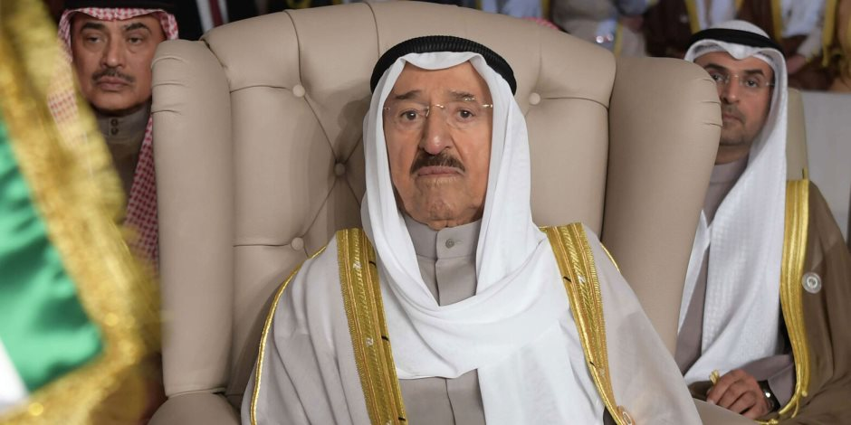 نجوم ومشاهير العرب يحولون منصات السوشيال إلى دفتر عزاء كبير لأمير الكويت الراحل