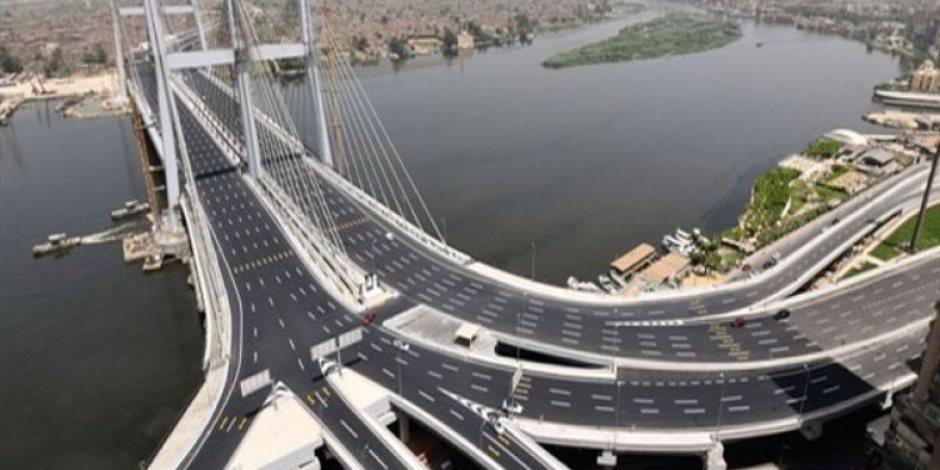 مشروعات الطرق والكباري في مصر إنجازات لا تتوقف.. مشروعات بإجمالي أطوال 7000 كم وتكلفة 210 مليار جنيه
