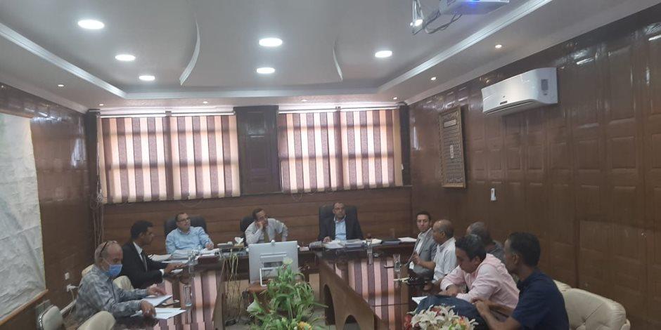 محافظ شمال سيناء يوجه بتوصيل خدمة الإنترنت لمختلف المناطق لتحقيق التحول الرقمي