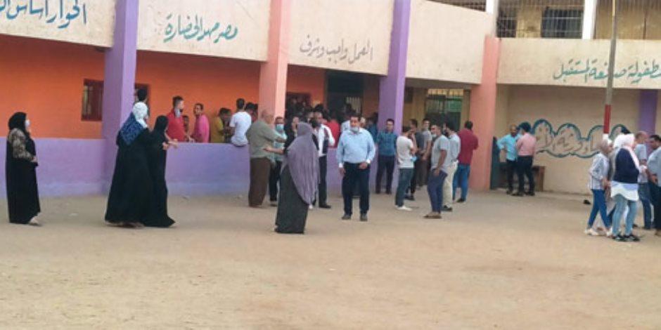 انتخابات مجلس النواب 2020.. بالصور: زحام للناخبين على لجان التصويت بمنشأة القناطر