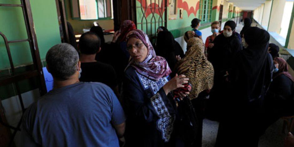 شهادة دولية.. رويترز تبرز إقبال المواطنين على عمليات الاقتراع في انتخابات النواب (صور)