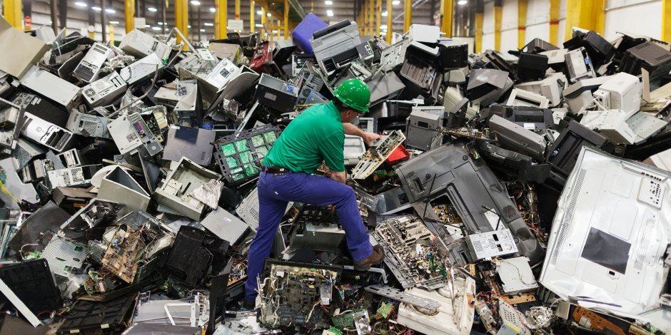 """""""هيئة التنمية"""" تتبنى استراتيجية الدولة في التخلص من المخلفات الصناعية وإعادة تدويرها"""