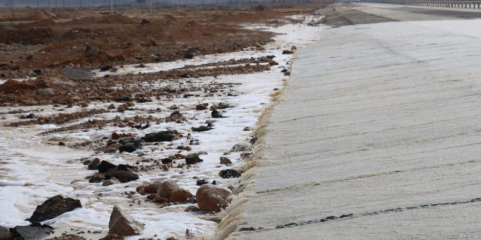 السيول تروي أرض سيناء العطشانة.. والأهالي: تبشر بموسم زراعي خصيب (صور)