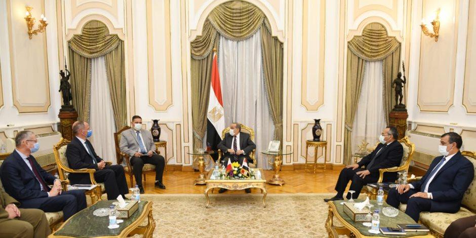 """وزير الإنتاج الحربى يبحث مع سفير """"بولندا"""" بالقاهرة تعاون الشركات البولندية"""
