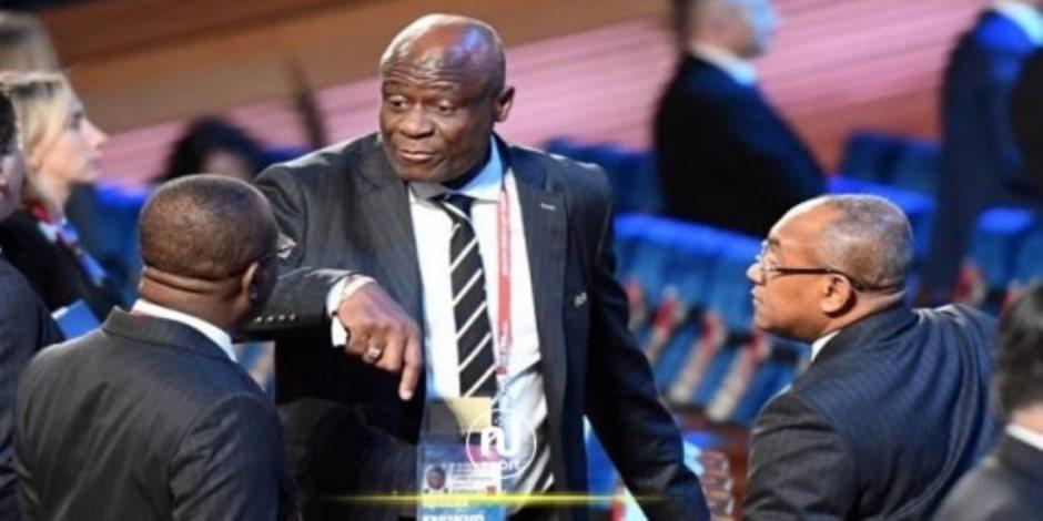 كونستاى أومارى الكونغولى رئيسا مؤقتا للكاف بعد إيقاف أحمد أحمد 5 سنوات