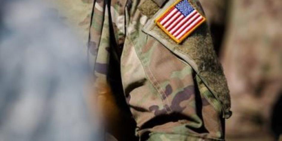 الجيش الأمريكي يسمح لجنوده بوضع أحمر الشفاه وارتداء الأقراط