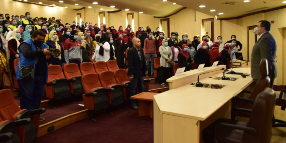 """تحت عنوان """"مصر الجديدة"""".. رئيس جامعة الإسكندرية يعقد لقاءات توعوية لعرض المشاريع القومية"""