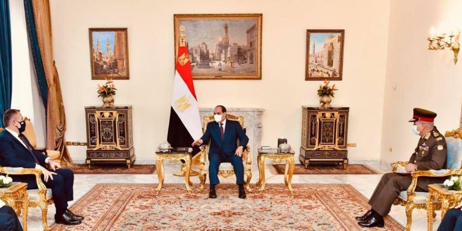 السيسي يستقبل وزير الدفاع اليوناني ويؤكد علي اهمية  التعاون العسكري بين مصر واليونان وقبرص