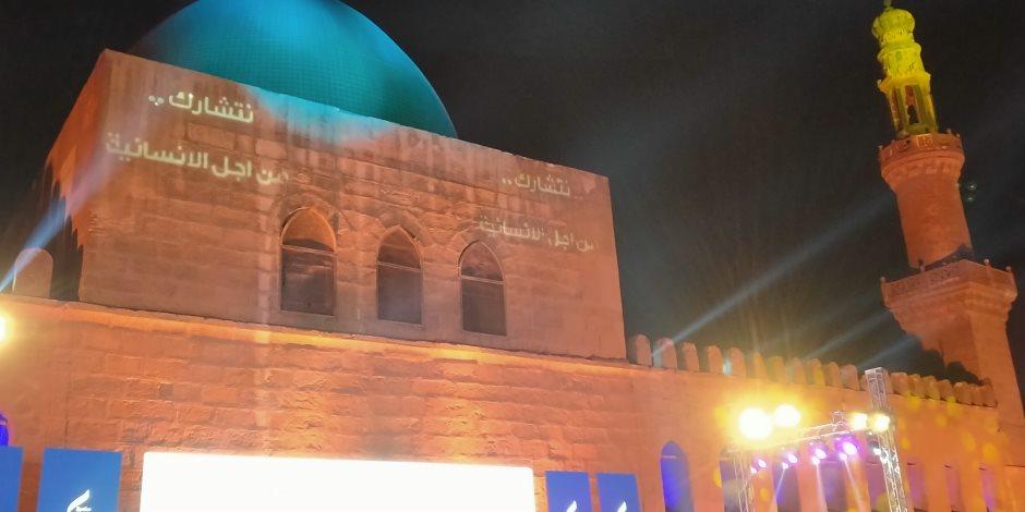"""برج خليفة بدبى يحتفى بـ""""صندوق تحيا مصر"""" بعد تحقيقه 3 أرقام بموسوعة جينيس"""