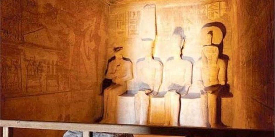 الأقصر تحتفل بتعامد الشمس على قدس الأقداس بمعابد الكرنك 21 ديسمبر
