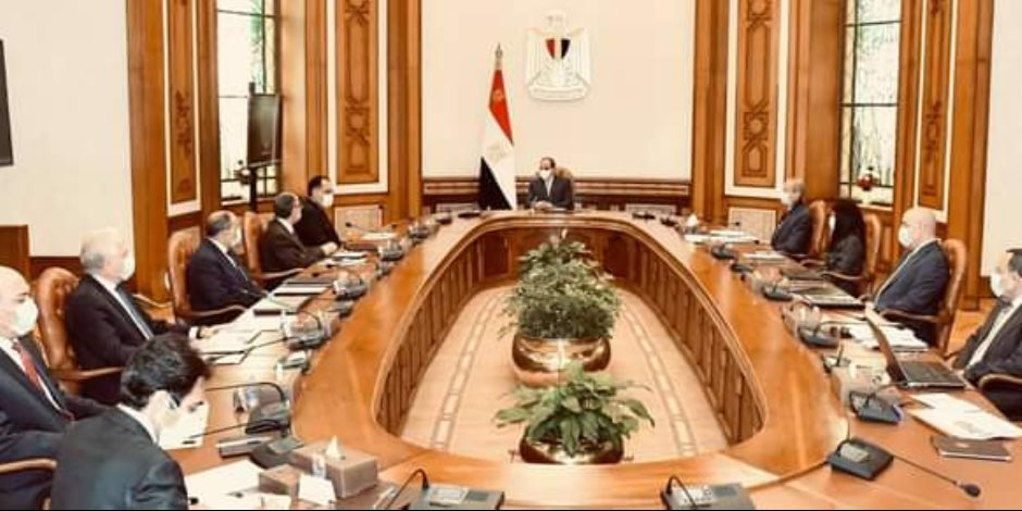 الرئيس السيسي يطلع على منظومة الضوابط والاشتراطات البنائية الجديدة