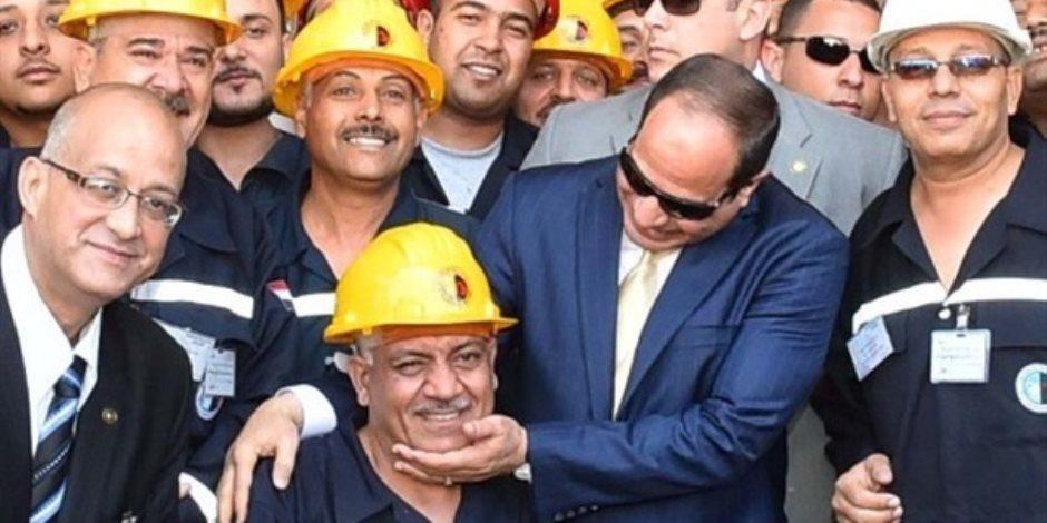 وصفهم بالركيزة الأساسية لبناء الوطن.. هكذا انتصر الرئيس السيسي لحقوق عمال مصر