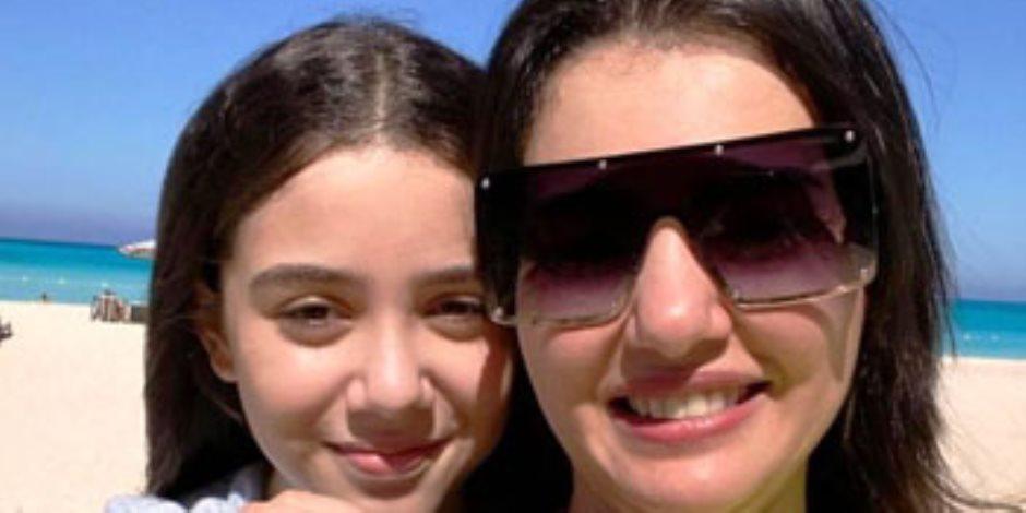 """دينا فؤاد تحتفل بعيد ميلاد ابنتها زينة: """"أغلى حاجة فى حياتى"""""""