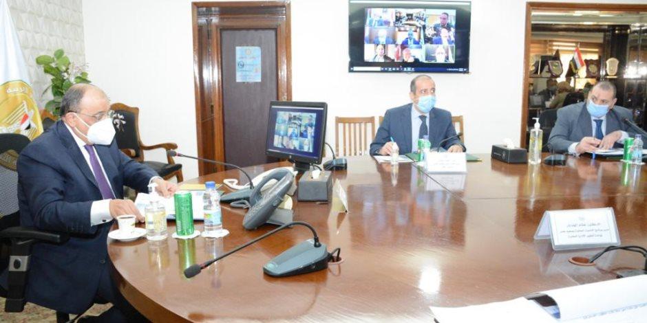 وزير التنمية المحلية و9 محافظين يبحثون مشروع الـ 33 قرية المستحدثة