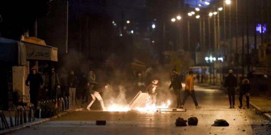 """ماذا حدث هذا الصباح؟ الجيش التونسي يترقب بعد اشتعال المظاهرات.. وموسكو تعتقل المعارض """"نافالني"""""""