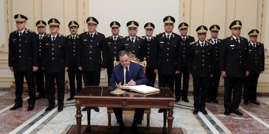 وزير الداخلية في القصر الجمهوري لتسجيل كلمة للرئيس في احتفالات الشرطة (فيديو)
