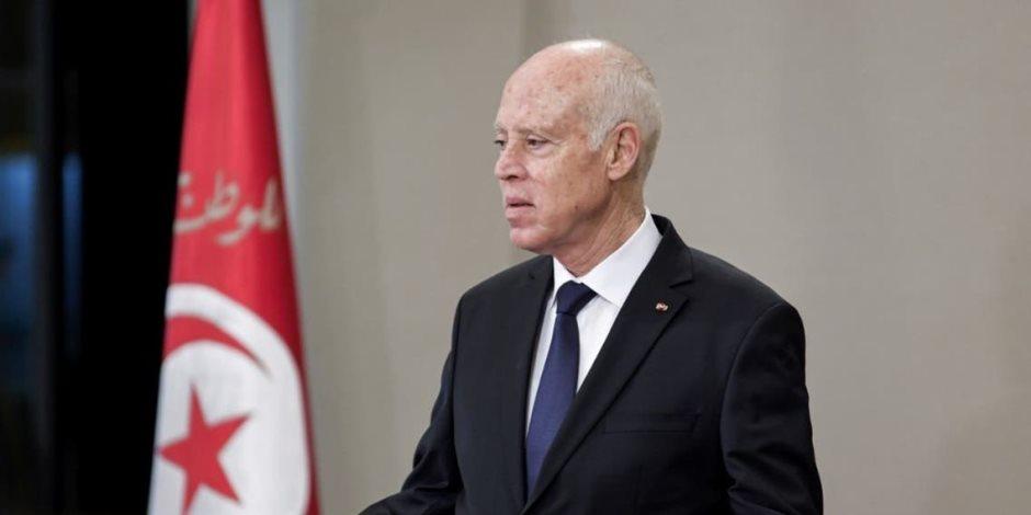 حكاية طرد مشبوه يلاحق الرئيس التونسي قيس سعيد.. وتحليل للمادة