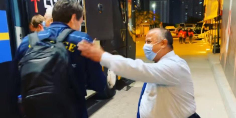 هشام عباس.. ما قصة السائق المصري الذي تغنى به منتخب السويد في مونديال اليد؟