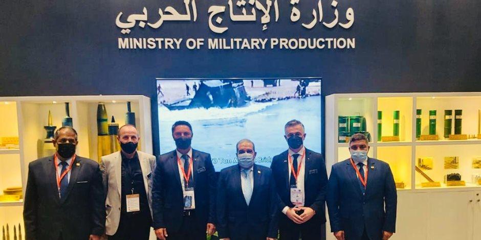 """وزير الدولة للإنتاج الحربي يشارك في افتتاح معرض الدفاع الدولي """"IDEX 2021"""" بأبو ظبي"""