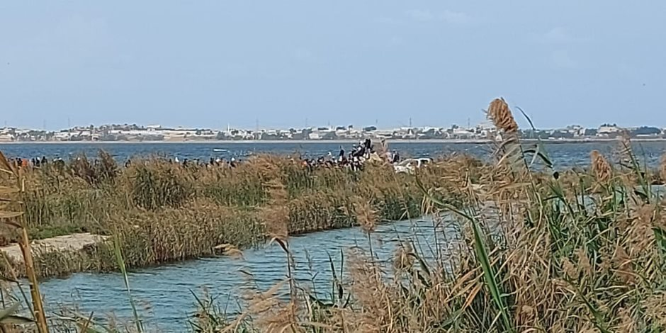 9 وفيات و7 ناجين والبحث عن المفقودين.. الحزن يخيم على الإسكندرية بعد حادث غرق مركب بحيرة مريوط