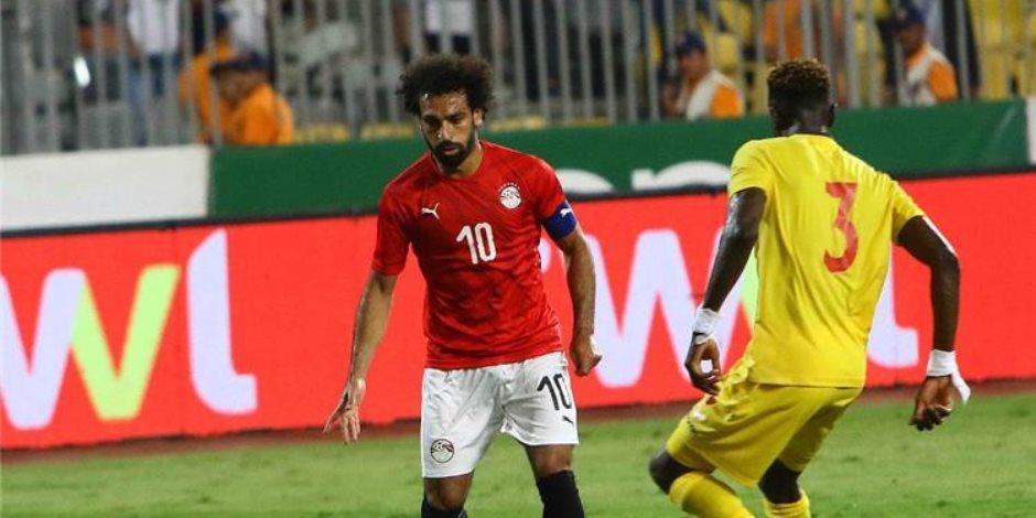 محمد صلاح يقترب من ارتداء شارة قيادة المنتخب بعد إصابة «السعيد» واستبعاد «فتحي»