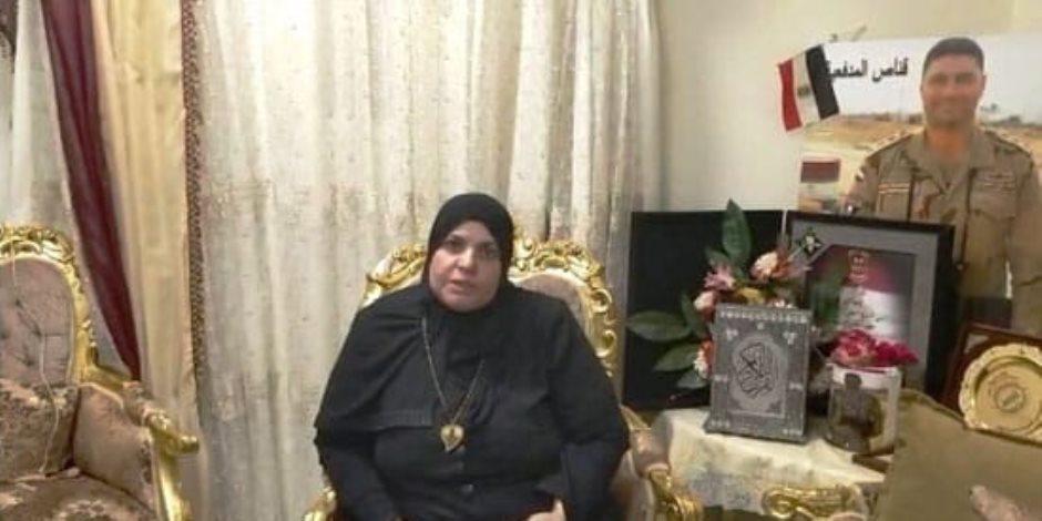 بالتزامن مع عيد الأم.. والدة الشهيد محمد صلاح تحتفل بذكراه.. ووشقيقه: البطل سحق التكفيريين