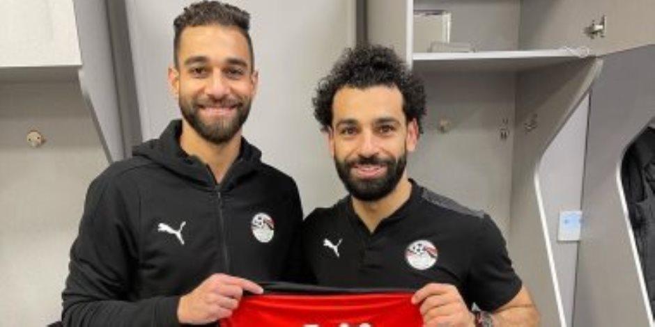 من تنازل النني إلى قرار البدري.. كيف وصلت شارة كابتن منتخب مصر لمحمد صلاح؟