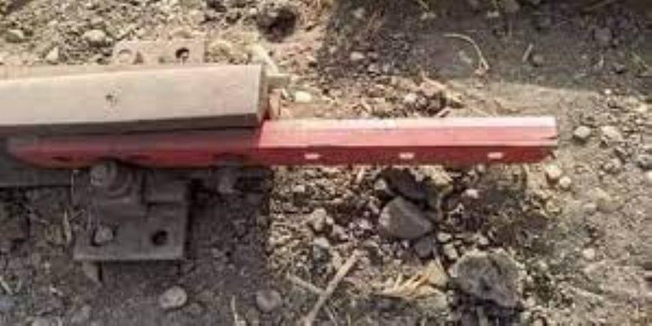 النقل توضح سبب وجود الوصلات الخشبية.. هل حادث قطار طوخ مفتعل؟
