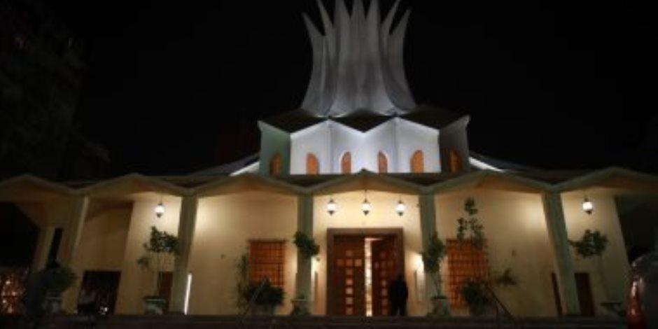 الكاتدرائية الأسقفية بالزمالك تتزين بالأضواء احتفالا بعيد القيامة المجيد (صور)