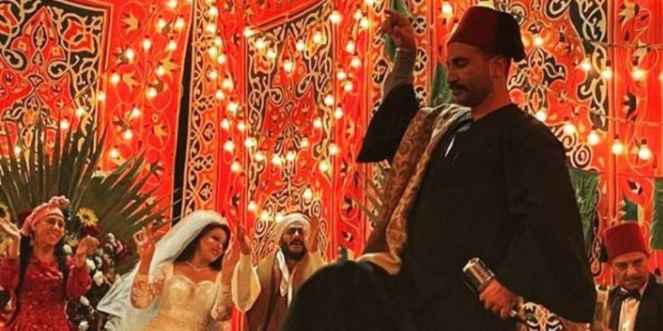 شاهد.. أحمد سعد يرقص فى زفاف سمية الخشاب على محمد رمضان (صور)