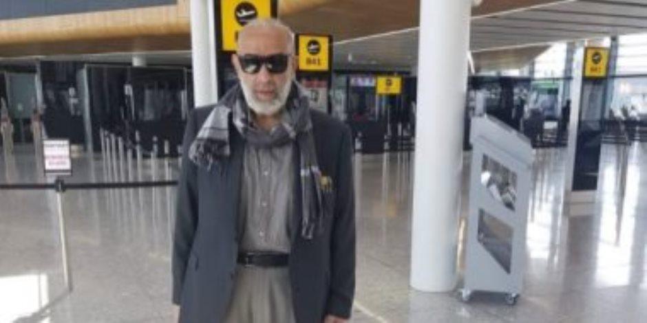 أشرف السعد يصل مطار القاهرة بعد فترة غياب عن مصر تجاوزت الـ26 عاما
