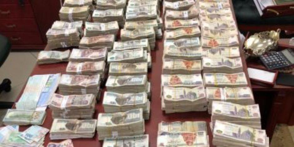 الداخلية تضبط 3 تاجرات مخدرات غسلن 25 مليون جنيه فى مجال العقارات