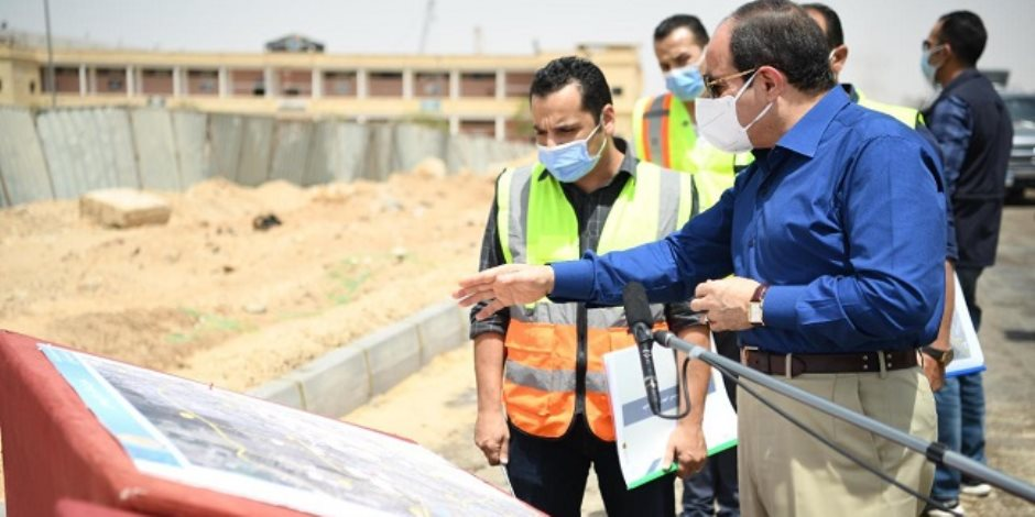 الرئيس السيسي يتفقد محاور شرق القاهرة (صور)